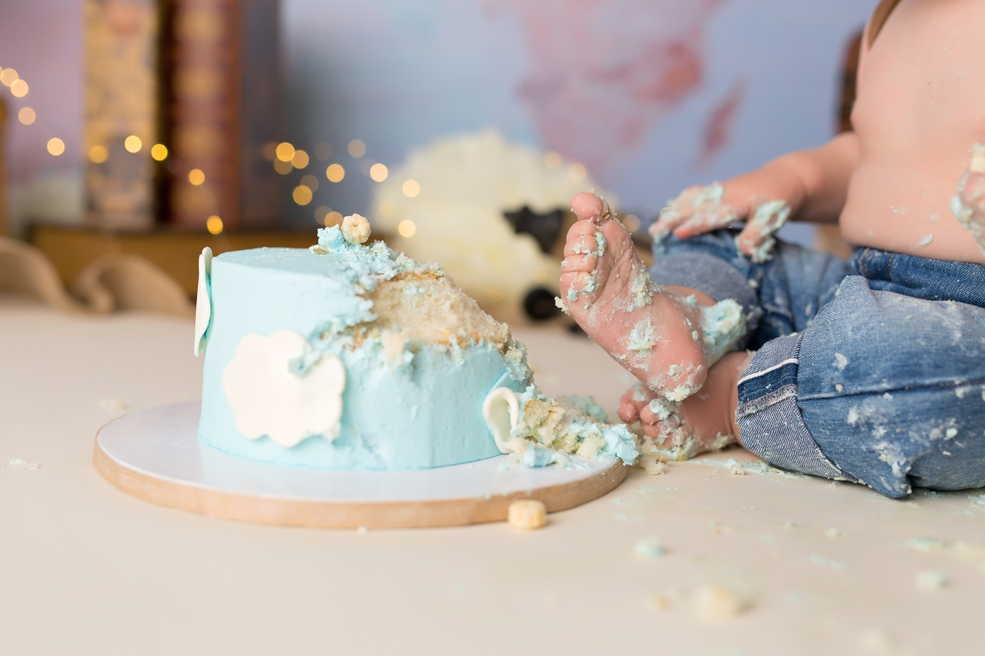 foot in the cake