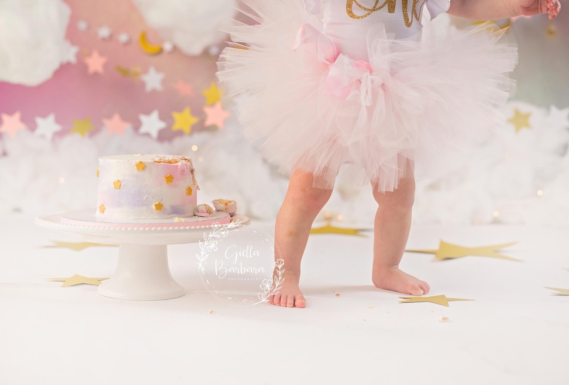cake smash and feet