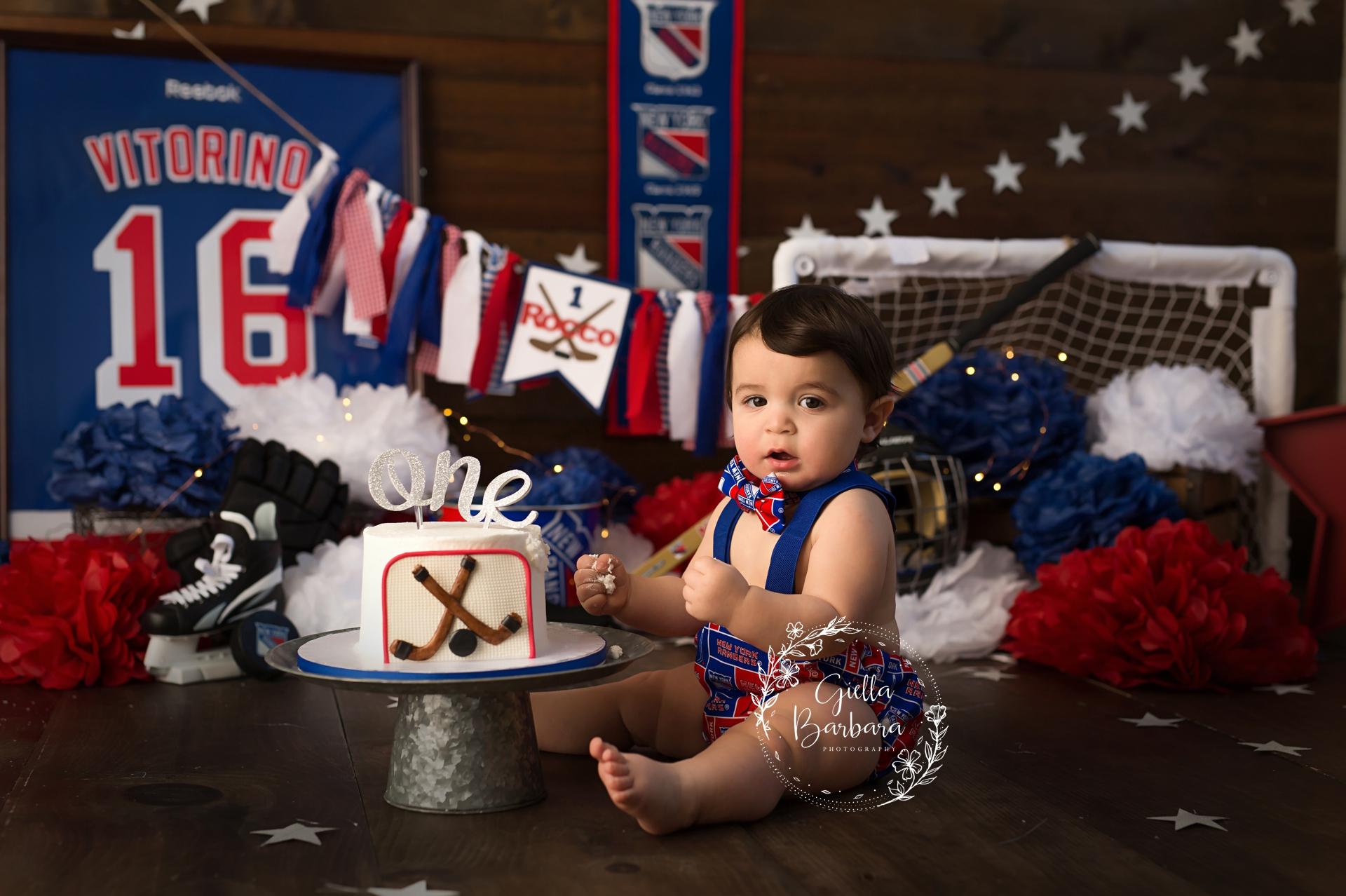 hockey cake smash